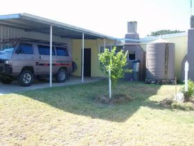 Kirazz-Kingscote-Holiday-Cottage