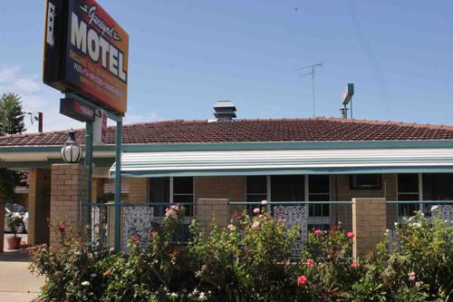 Gunsynd-Motor-Inn