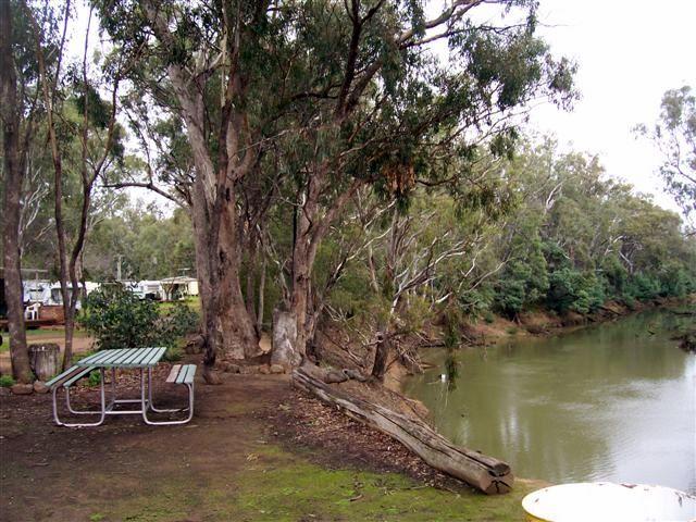 River-Bend-Caravan-Park