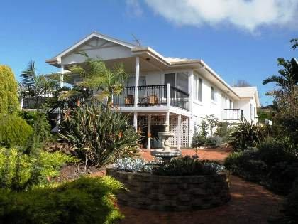 Loverings-Beach-House-Emu-Bay
