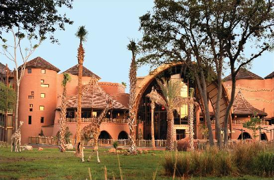 Disneys-Animal-Kingdom-Villas-Kidani-Village