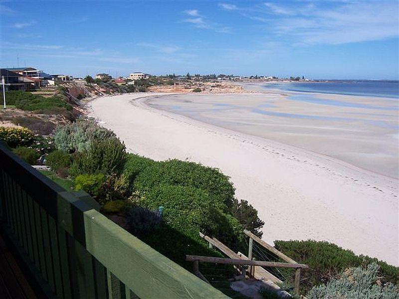 Simms-Cove-Beachfront-Villas
