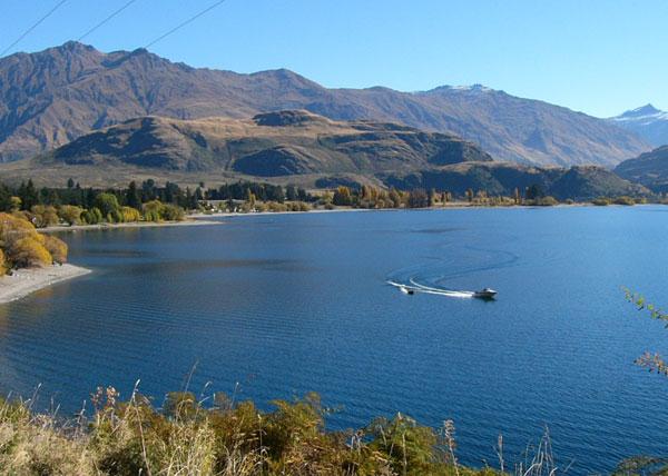 Glendhu-Bay-Lakeside-Holiday-Park