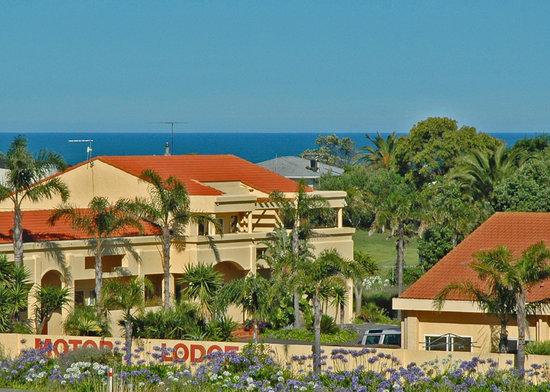 Ocean-Beach-Motor-Lodge