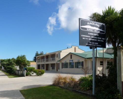 Raglan-Sunset-Motel