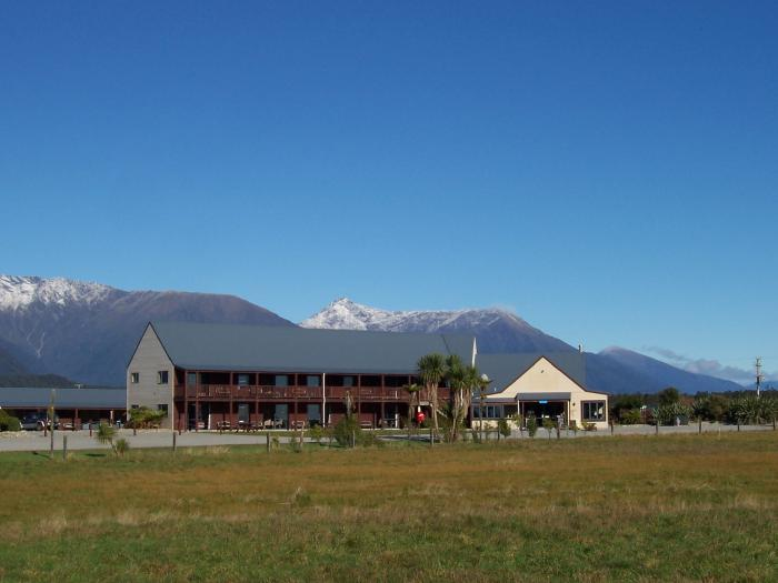 Haast-River-TOP-10-Holiday-Park