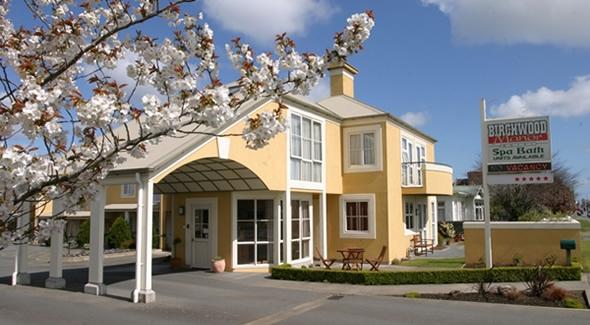 Birchwood-Manor-Hotel