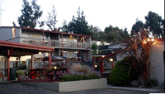 Manapouri-Lakeview-Motor-Inn