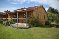 Longbourne-Lodge