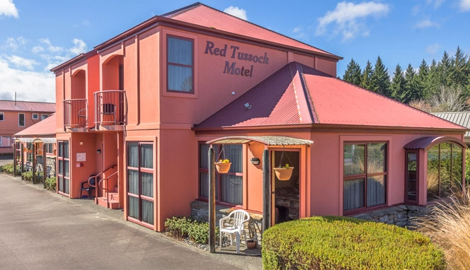Red-Tussock-Motel