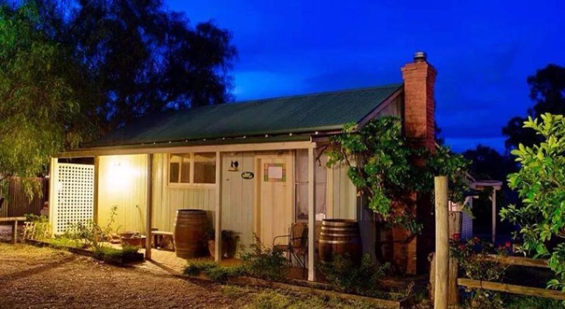 Outback-Cellar-Country-Cottage