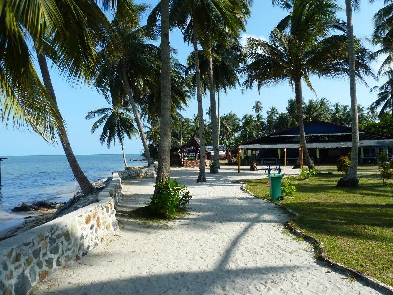 Scenic-Beach-LooLa