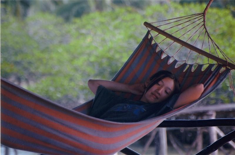 hammock-girl